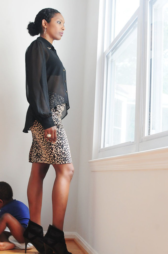 leopard skirt, leopard print, mom style, mom life, mom on duty